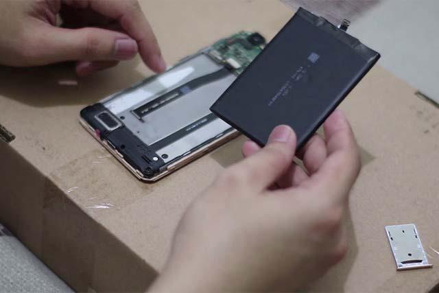Membedakan HP Xiaomi Original Dan Palsu